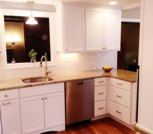White-Kitchen-6-800x700-300x263